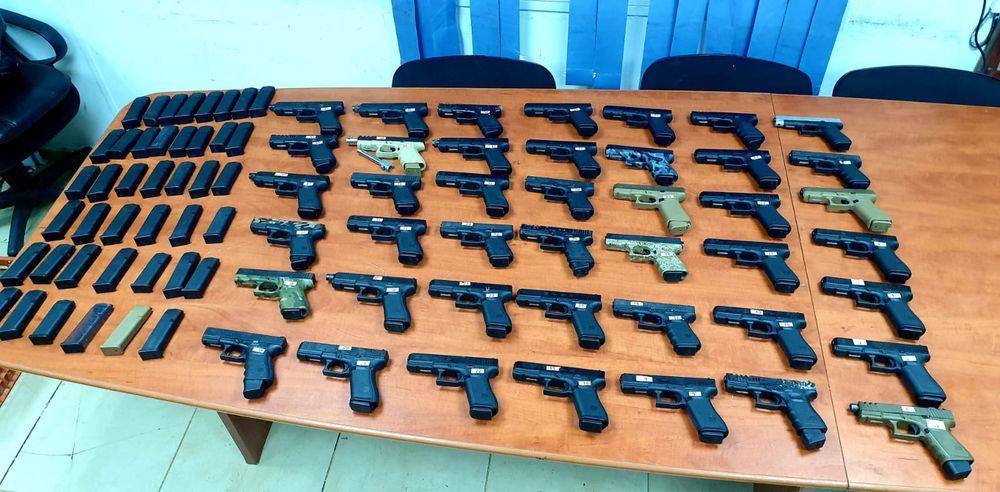 Des dizaines d'armes saisies en Israël après une tentative de contrebande depuis le Liban, le 10 juillet 2021