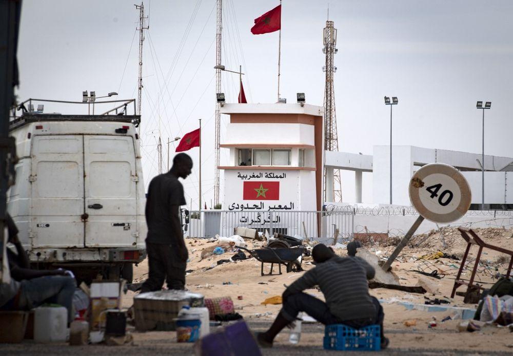 نقطة تفتيش حدودية بين المغرب وموريتانيا في كركرات، الواقعة في الصحراء الغربية