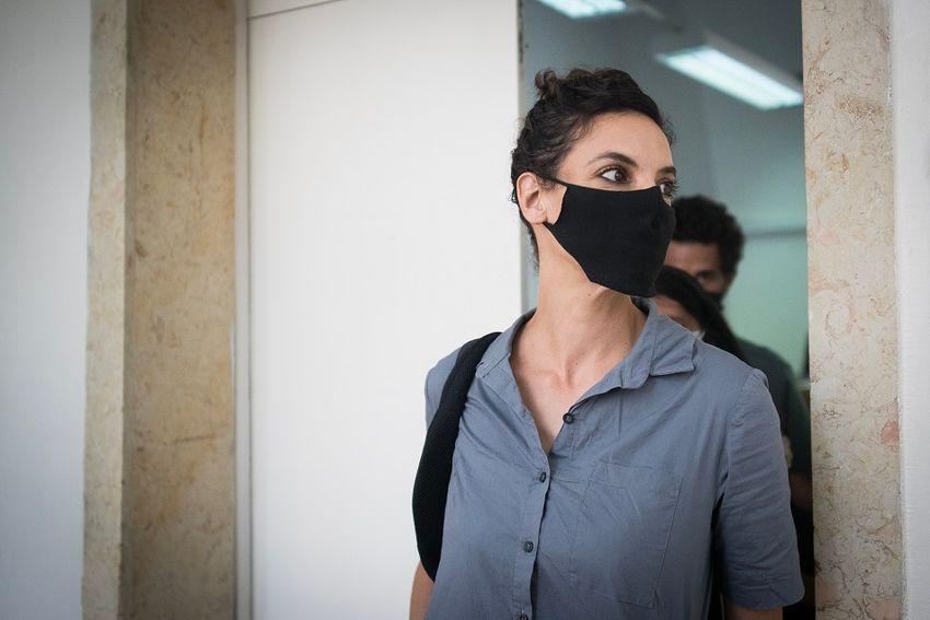 Tribunal israelense condena ativista de esquerda a oito meses de prisão