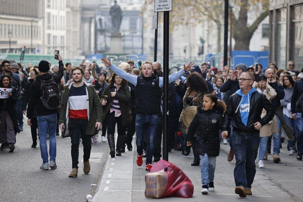 UK: Police Arrest Dozens At Anti-lockdown Protest In London – I24news