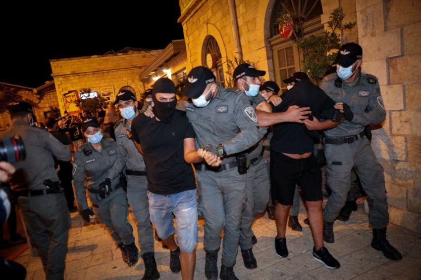 16 ativistas de extrema direita presos após atacar manifestantes em manifestação em Jerusalém