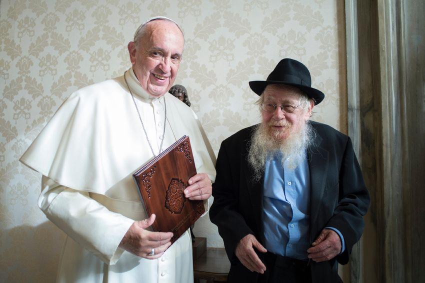 Papa Francisco encontra o rabino Adin Steinsaltz no Vaticano, segunda-feira, 5 de dezembro de 2016